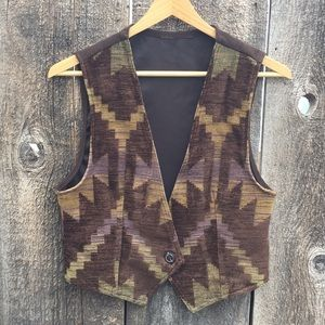 Circle T Western Wear Tapestry Front Vest, Small